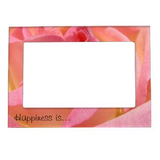 La felicidad es flor color de rosa rosada de los m marcos magneticos de fotos