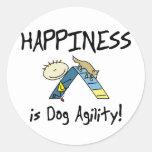 La felicidad es pegatinas de la agilidad del perro pegatina redonda