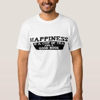 La felicidad es una taza de té y de un buen libro remeras