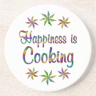 La felicidad está cocinando posavasos diseño
