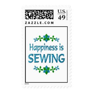La felicidad está cosiendo sello