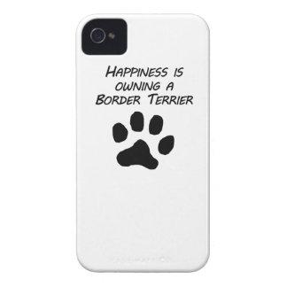 La felicidad está poseyendo una frontera Terrier iPhone 4 Case-Mate Funda