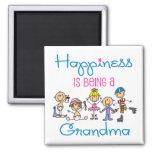 La felicidad está siendo una abuela imán cuadrado