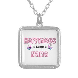 La felicidad está siendo una Nana Colgante Cuadrado