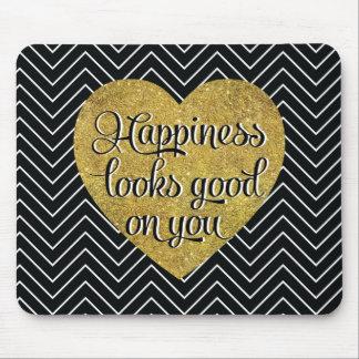 La felicidad mira el buen negro Chevron del Mouse Pads