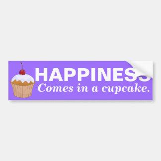 La felicidad viene en una magdalena pegatina para auto