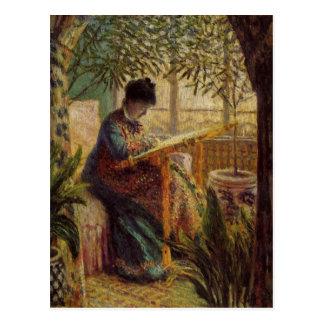 La femme au métier in detail postcard
