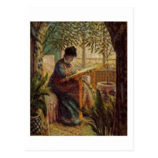 La femme au métier postcard