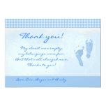 La fiesta de bienvenida al bebé azul de los pies invitacion personalizada