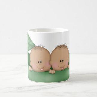 la fiesta de bienvenida al bebé del café hermana taza clásica