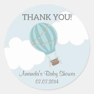La fiesta de bienvenida al bebé del globo del aire pegatina redonda