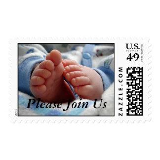 La fiesta de bienvenida al bebé del muchacho se timbres postales