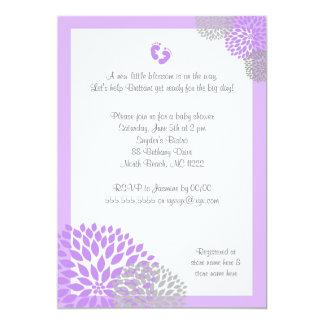 """La fiesta de bienvenida al bebé gris púrpura de la invitación 5"""" x 7"""""""
