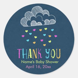 La fiesta de bienvenida al bebé le agradece nube pegatina redonda