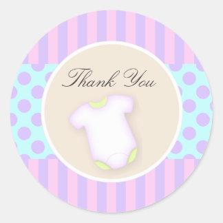 la fiesta de bienvenida al bebé le agradece pegatina redonda