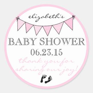 La fiesta de bienvenida al bebé rosada bonita de pegatina redonda