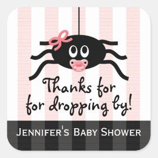 La fiesta de bienvenida al bebé rosada de la araña pegatina cuadrada