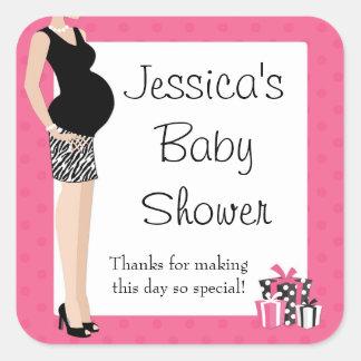 La fiesta de bienvenida al bebé rosada le agradece