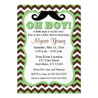La fiesta de bienvenida al bebé verde de Brown Che Invitacion Personalizada