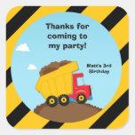 La fiesta de cumpleaños de la construcción le agra colcomanias cuadradas personalizadas