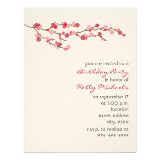 La fiesta de cumpleaños de la flor de cerezo de la invitación