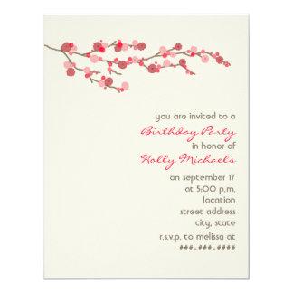 """La fiesta de cumpleaños de la flor de cerezo de la invitación 4.25"""" x 5.5"""""""