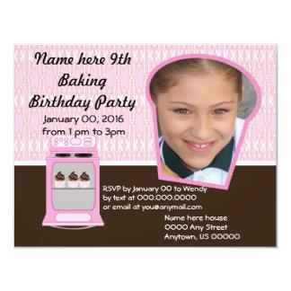 """La fiesta de cumpleaños de la hornada del cocinero invitación 4.25"""" x 5.5"""""""