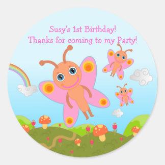 La fiesta de cumpleaños de la mariposa le agradece pegatina redonda