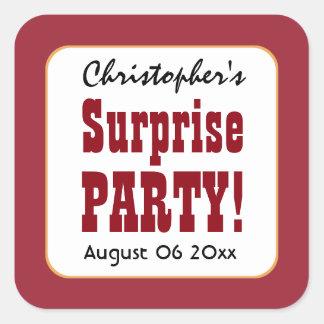 La fiesta de cumpleaños de la sorpresa del ROJO y Pegatina Cuadrada