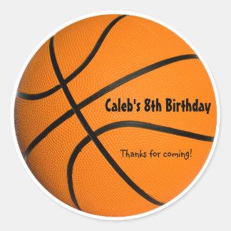 La fiesta de cumpleaños del baloncesto se divierte pegatina redonda