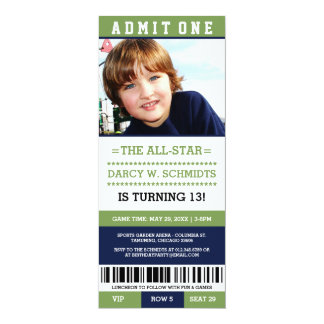 """La fiesta de cumpleaños del boleto de los deportes invitación 4"""" x 9.25"""""""