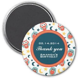 La fiesta de cumpleaños del noctámbulo le agradece imán redondo 7 cm