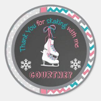 La fiesta de cumpleaños del patinaje de hielo le pegatina redonda