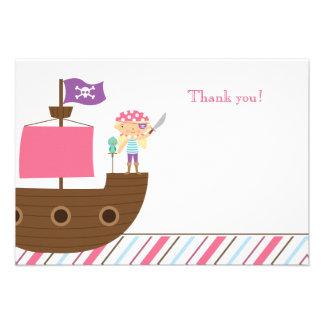 La fiesta de cumpleaños del pirata del chica rosad invitación personalizada