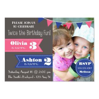 """La fiesta de cumpleaños doble invita (muchacho/el invitación 5"""" x 7"""""""