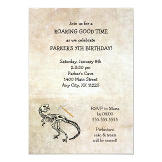 """La fiesta de cumpleaños fósil del empuje del invitación 5"""" x 7"""""""