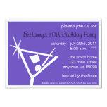 La fiesta de cumpleaños invita al vidrio de invitaciones personales