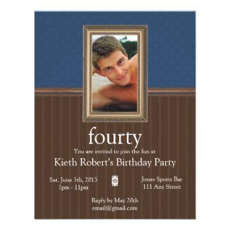 La fiesta de cumpleaños masculina invita anuncio