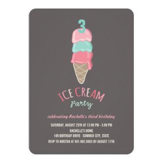 """La fiesta de cumpleaños rosada del chica del cono invitación 4.5"""" x 6.25"""""""