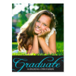 La fiesta de graduación azul de la pizarra invita  tarjeta postal