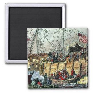 La fiesta del té de Boston, el 16 de diciembre de  Imán Cuadrado