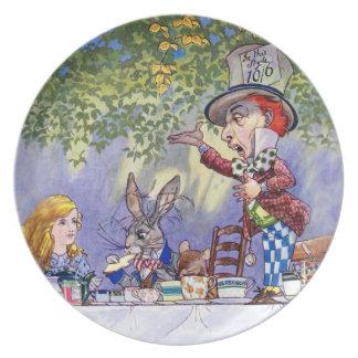 La fiesta del té del sombrerero enojado en Alicia