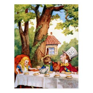 La fiesta del té del sombrerero enojado en el país tarjetas postales