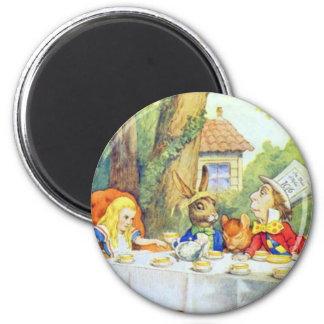 La fiesta del té enojada de los sombrereros a todo imán redondo 5 cm