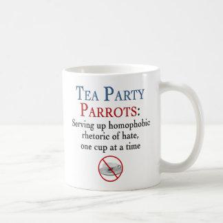La fiesta del té repite mecánicamente retórico taza