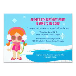La fiesta en la piscina del invierno invita invitaciones personalizada