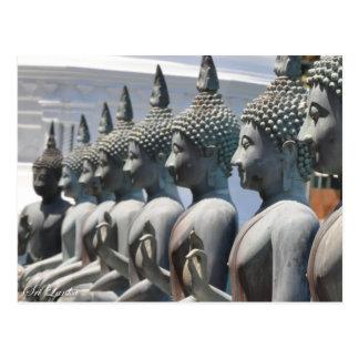 La fila de Buda esculpe la postal