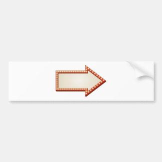 La flecha enciende la muestra pegatina para auto