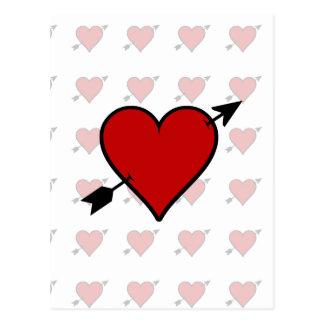 La flecha perforó el corazón postal