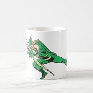 La flecha verde se agacha taza de café